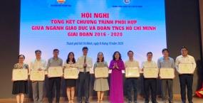 Đại học Đà Nẵng được Bộ GD&ĐT tặng bằng khen trong việc thực hiện chương trình phối hợp số 642/Ctr-BGDĐT -TWĐTN giai đoạn 2016-2020