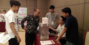 Sinh viên Trường Đại học Bách khoa - ĐHĐN tham dự Hội nghị và Triển lãm Khởi nghiệp Đà Nẵng lần thứ 2 - SURF 2017