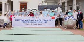 Tuổi trẻ VKU chung tay hỗ trợ người dân miền Trung khắc phục hậu quả bão lụt