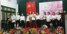 Sinh viên trường ĐH Sư phạm Kỹ thuật - Đại học Đà Nẵng tưng bừng Cuộc thi Cắm hoa - Nấu ăn - Ai đẹp nhất chào mừng kỷ niệm ngày phụ nữ Việt Nam 20-10