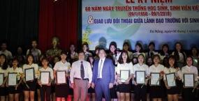 ĐH Sư Phạm: Lễ kỉ niệm 68 năm (9/1/1950 – 9/1/ 2018) ngày truyền thống HSSV: Vinh danh hơn 150 sinh viên đạt thành tích xuất sắc