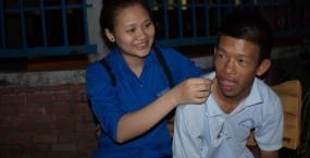 Lớp học không bụi phấn tràn ngập tình thương của Đội công tác xã hội Trường ĐH Bách khoa
