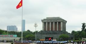 Đại biểu ĐH toàn quốc Hội Sinh viên rạng rỡ trên Quảng trường Ba Đình