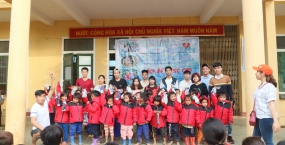 Tuổi trẻ Đoàn Đại học Sư phạm Kỹ thuật – Đại học Đà Nẵng trao gửi yêu thương với Chương trình Ấm Áp Vùng Cao