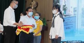 Đại học Đà Nẵng hỗ trợ sinh viên nghèo vượt qua khó khăn do đại dịch covid-19