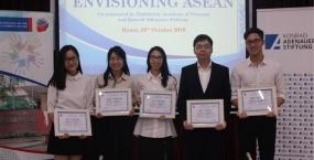 """Sinh viên Trường Đại học Ngoại ngữ đạt giải Ba Cuộc thi """"Sinh viên viết về Hội nhập Asean năm 2018"""""""