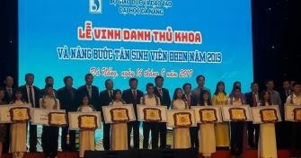 Lễ Vinh danh Thủ khoa và Nâng bước tân sinh viên Đại học Đà Nẵng-2019: Ấn tượng, trang trọng và nhiều ý nghĩa