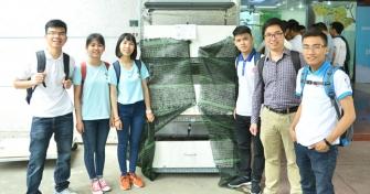 Sinh viên sáng chế hệ thống nuôi trùn quế tự động