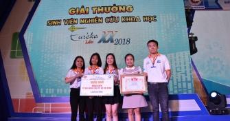 Nhóm tác giả đến từ Trường Đại học Kinh tế - Đại học Đà Nẵng giành giải Nhì tại Euréka năm 2018