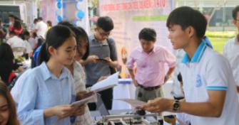Ngày hội Tuyển sinh – Hướng nghiệp 2019: Phần tư vấn chung sôi nổi,  giải tỏa thỏa đáng, trọng tâm nhiều câu hỏi, băn khoăn của học sinh