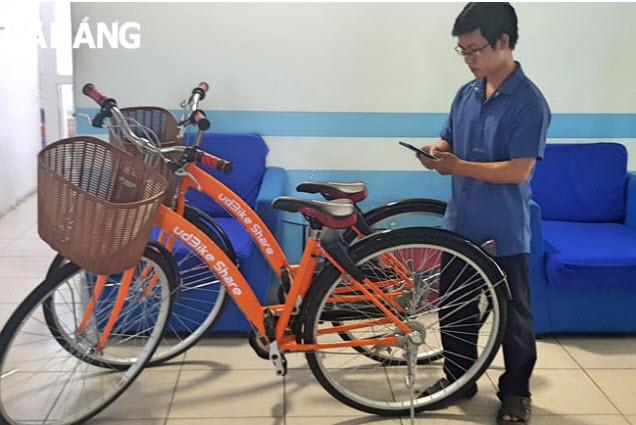"""Xe đạp """"chia sẻ thông minh"""" phục vụ du lịch có thể dễ dàng, thuận tiện cho người sử dụng"""